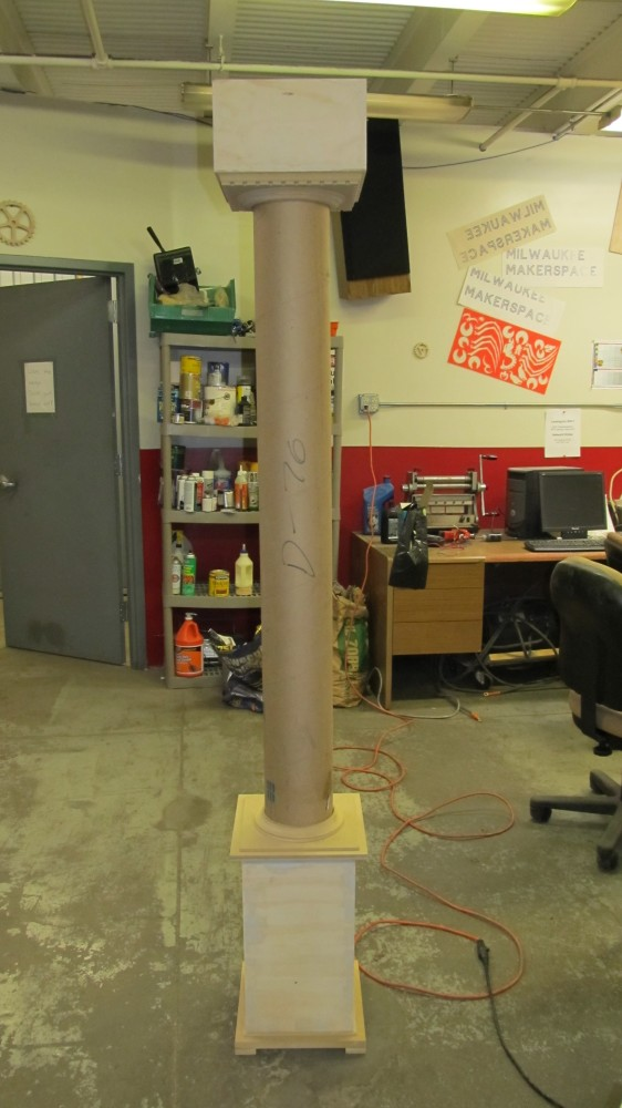 "A picture of a fully assembled column.  I hesitate to call it ""Doric,"" but that's close enough."