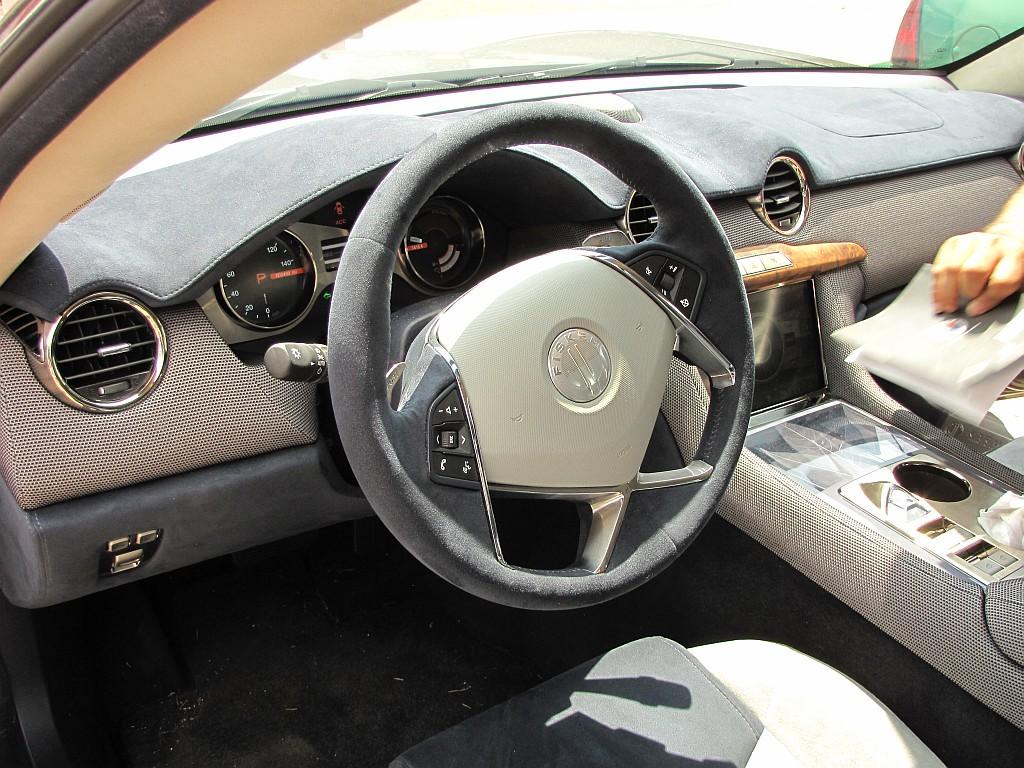 cockpit_med