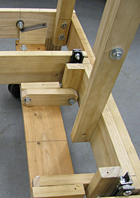 Rolling Cart With Retracting Wheels Milwaukee Makerspace