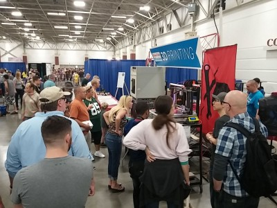 Milwaukee Makerspace Booth